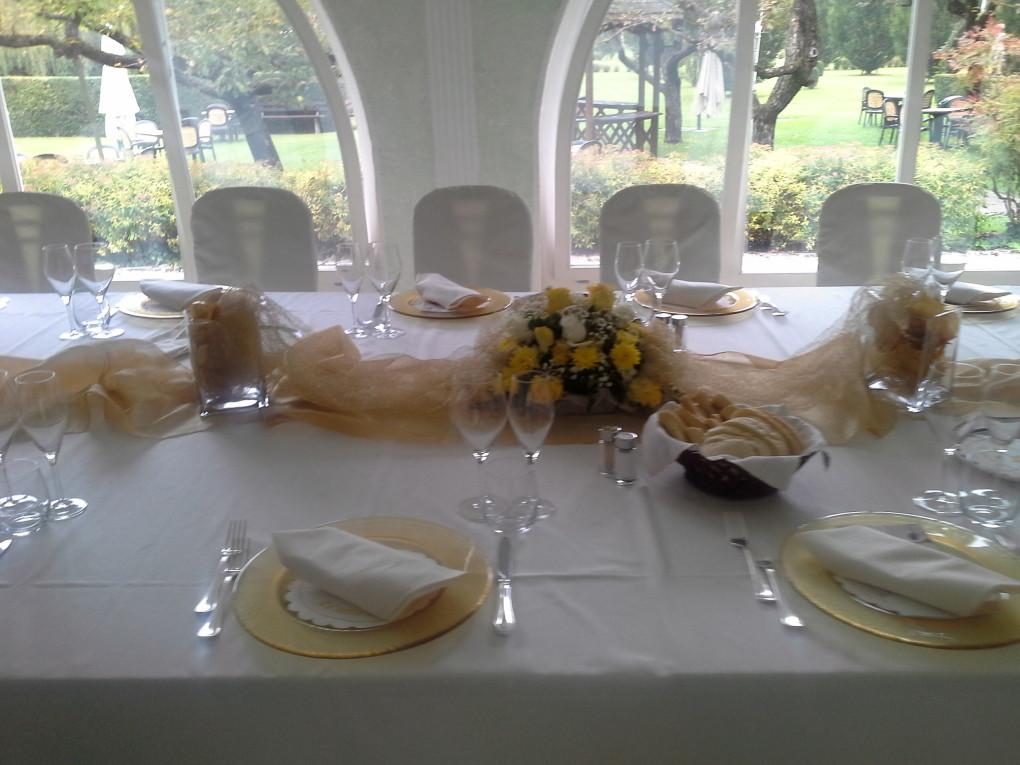 Sala-Veranda-Centro tavola dorato